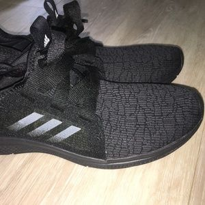NEVER WORN black adidas bounce sneakers